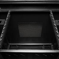 В крыше 19 шкафа имеется перфорация для обеспечения свободной и принудительной вентиляции